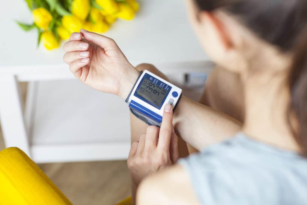 Controlar la tensión arterial de forma periódica debe ser fundamental (iStock)
