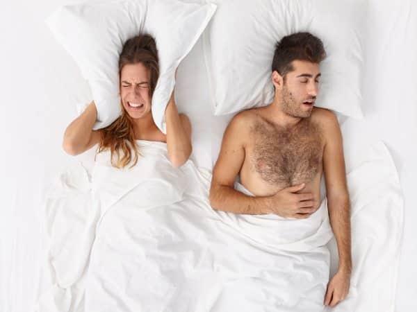 Te hablamos sobre la causa de los trastornos del sueño como la apnea obstructiva del sueño, riesgos de salud y síntomas comunes.